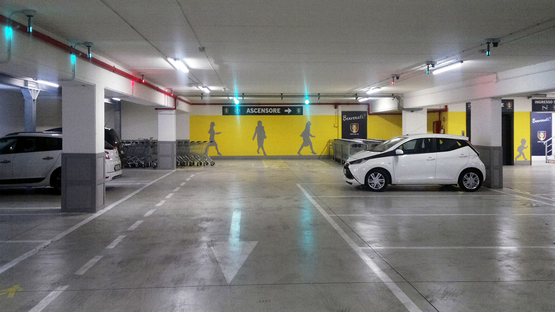 Plafoniere Per Garage : Illuminazione led garage flexsolight